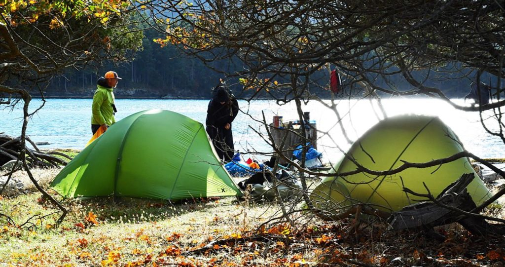 camping sauvage application guide conseils astuces